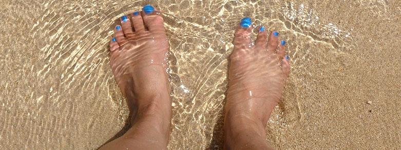 svullna fötter vid värme
